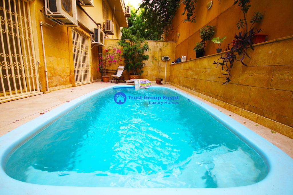 Ground floor with private swimming pool for rent