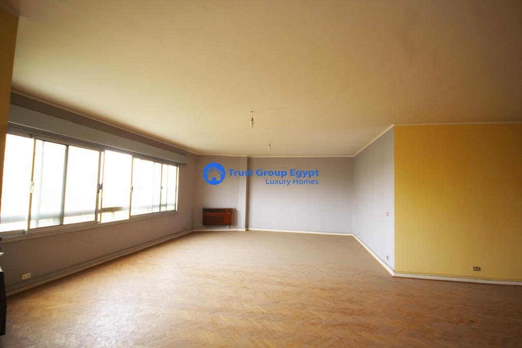 Apartment for sale in maadi saryaat