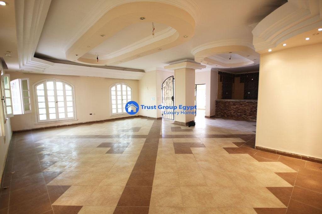 Ground floor for rent in gated area new cairo