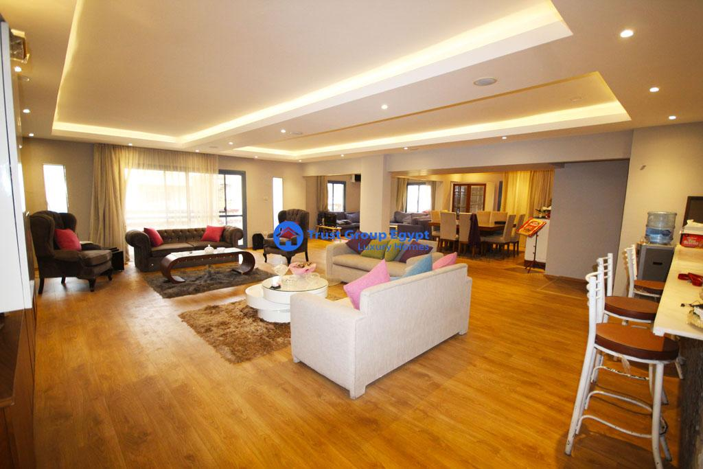 High super lux furnished apartment 220 M for sale  in Maadi