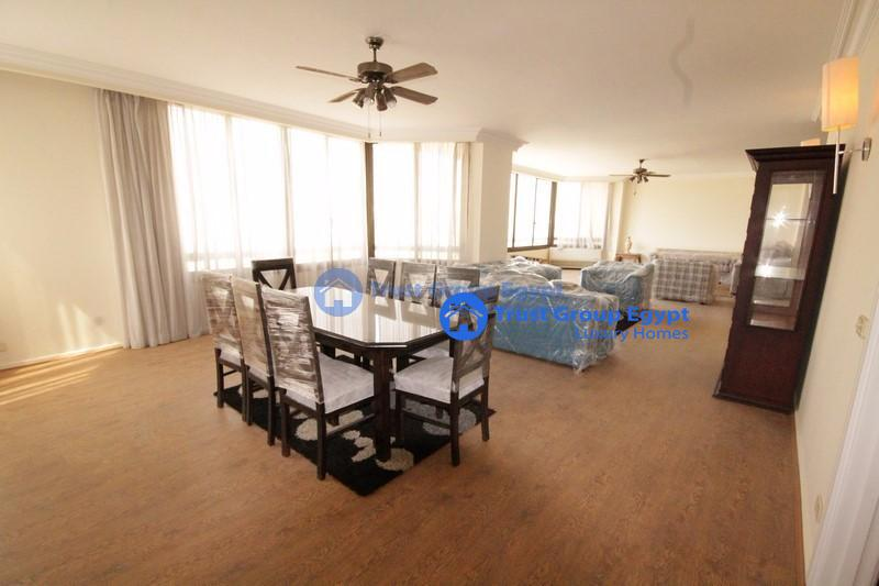 super clean  very big  apartment for rent in maadi saryaat