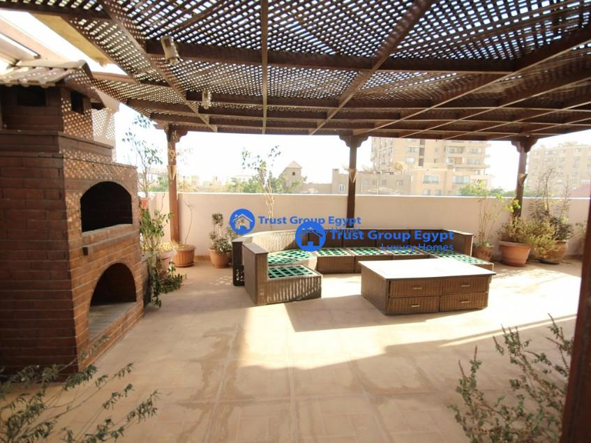 pent house semi furnished for rent in prime location in maadi saryat