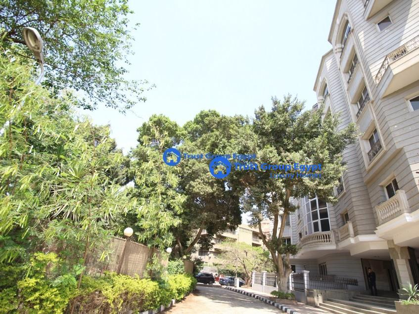 Full commercial Building in Maadi Degla for rent